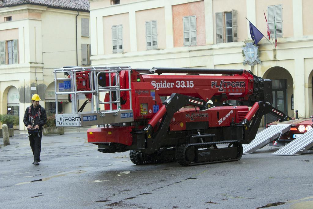 意大利33米进口蜘蛛车Spider 33.15
